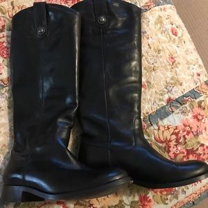 Shoes - Frye boots